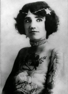 vintage photos - women with tattoos 5