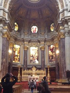 The altar in the Dom