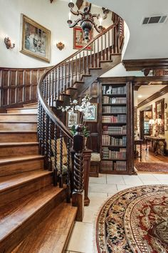 English style Foyer in Dallas, Texas