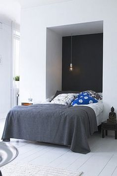 Beautiful contrasts, and lovely blue pillow