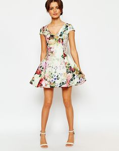 Image 4 ofTrue Decadence Petite Fit and Flare Full Skater Dress In All Over Floral
