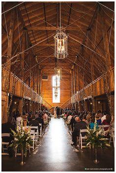 Fayetteville Arkansas Wedding Photographer | Pratt Place Inn and Barn Wedding | Leah Marie Landers Photography