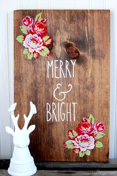 Wooden Floral Merry & Bright Christmas Sign