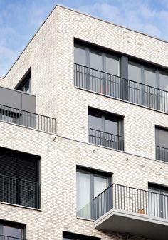 Social Housing Architecture, Brick Architecture, Residential Architecture, Facade Design, Exterior Design, Brick Facade, Balcony Design, Brick Building, Brickwork