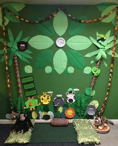 Top 25 inspirational classroom display ideas classroom display – Welcome to the jungle. Our amazing jungle display, including an area to sit and discuss the topic. Ideal for story time! With thanks to Michelle Cross for sharing this display. Classroom Wall Displays, Classroom Decor Themes, School Displays, Classroom Walls, Geography Classroom, Reggio Classroom, Class Displays, Classroom Furniture, History Classroom