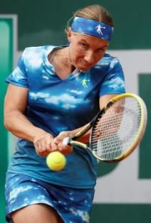 Svetlana Kuznetsova at the 2013 French Open - Qiaodan outfit, blue sky print, ughh :P