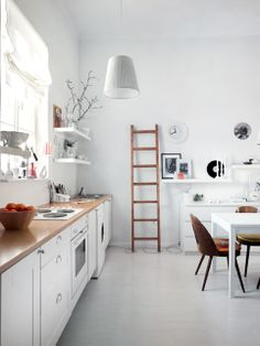 Love the light and airy feel, would work great in the laundry room!