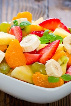 Perfect summer fruit salad mcdonalds, summer salads with fruit, fruit Healthy Salads, Healthy Eating, Healthy Recipes, Healthy Habits, Summer Salads With Fruit, Fresh Fruit, Summer Snacks, Fruit Salad Recipes, Fruit Salads