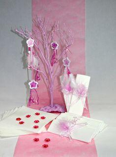 Box Complète Déco de Table Rose pour tous vos évenements comme Mariage Communion Baptême En vente sur notre site : http://www.matableparfaite.com/fr/deco-de-table/deco-de-table-bapteme/rose-louloute-28/rose-26/