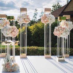 ✨ну и какая же красивая свадьба без выездной церемонии?! Ведь это основной кульминационный момент. Когда он, с замиранием сердца, ждёт её. А она, самая красивая сегодня в мире, идёт навстречу своей судьбе✨ Свадьба Сергея и Кристины #студияантураж_тюмень #антуражтюмень #anturazh_wd #свадьбатюмень #свадебныйдекор #оформлениесвадеб #декорресторана #eventdesign #декортюмень #instagramRussia #свадьба2017 #моясвадьба #свадьбагода #летняясвадьба #студиядекора #декормероприятий #Яневеста…