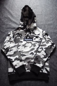 Supreme Camo Hoodie, Supreme Clothing, Off White Clothing, Trendy Hoodies, Hoodie Outfit, Teenager Outfits, Nike Outfits, Mens Clothing Styles, Teen Fashion