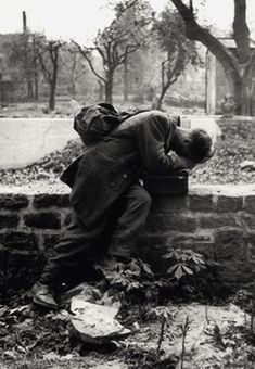 A German soldier returns home only to find his family no longer there. Frankfurt, 1946 - by Tony Vaccaro - Imgur