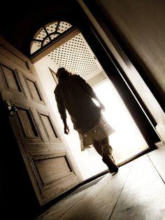 ドア 斜め 歩く