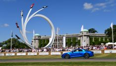 A complete overview into how the world's greatest hill climb and gathering of motorsport fanatics came into existence at the Goodwood House grounds. Goodwood Festival Of Speed, The World's Greatest, Dolores Park, Cars, History, House, Travel, Viajes, Home