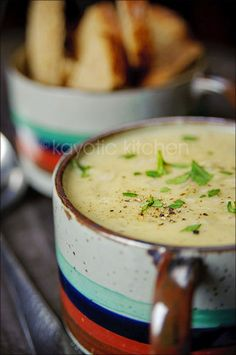 Creamy Mustard & Onion Soup- veganize by using veg butter, veg cube, veg worcestershire and veg friendly cream like coconut Dutch Recipes, Soup Recipes, Cooking Recipes, Healthy Recipes, Recipes Dinner, Beef Recipes, Easy Recipes, I Love Food, Good Food