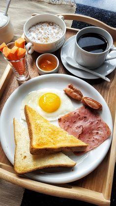 healthy breakfast ideas for picky eaters food truck near me location Breakfast Platter, Breakfast Recipes, Breakfast Healthy, Breakfast Muffins, I Love Food, Good Food, Yummy Food, Healthy Snacks, Healthy Recipes