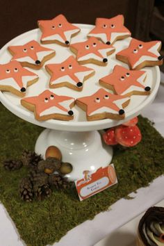 I can still see myself .- Ich kann mich immer noch dabei sehen … Gruffalo Fox Cookies I can still see myself there … Gruffalo Fox Cookies yourServer - Gruffalo Party, Gruffalo Activities, Gruffalo's Child, Fox Cake, Fox Cookies, Birthday Cookies, Woodland Party, Food Humor, Crack Crackers