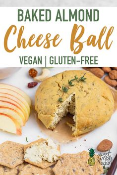 Vegan Baked Almond Cheese Ball (Easy + Gluten-free) Looking for a vegan appetizer for this holiday season? Try this Baked Almond Cheese Ball, it is sur Vegan Party Food, Healthy Vegan Snacks, Vegan Appetizers, Vegetarian Food, Vegan Cheese Recipes, Vegan Recipes Easy, Vegan Looks, Fromage Vegan, Baked Cheese