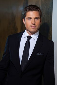 Eric Winter  #witchesofeastend #ericwinter