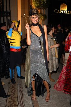 Already started the search for the perfect Halloween costume? Use these iconic costumes worn by celebs for inspiration! See all our favorites here:  Karolina Kurkova as a chic flapper girl