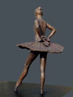 Bronze Dance and Ballet sculpture by artist Sterett-Gittings Kelsey titled: 'Balanchines-Dancer (Bronze Ballet statue)' Sculptures Céramiques, Art Sculpture, Abstract Sculpture, Garden Sculpture, Life Size Statues, Ballet Art, Pablo Picasso, Art Plastique, Oeuvre D'art