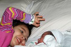 Preparando a nuestra hija para la llegada de su hermanita - El Tintero de Mamá
