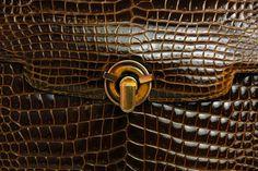 1stdibs.com | Gucci Brown Crocodile Evening Bag With 18K Gold Hardware and Tigereye