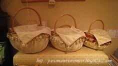 手つきバスケット カバー付き(C01)。カバーがついているので、中に何を入れていただいてもおしゃれに片付きます。***「Chez Mimosa シェ ミモザ」   ~Tassel&Fringe&Soft furnishingのある暮らし  ~   フランスやイタリアのタッセル・フリンジ・  ファブリック・小家具などのソフトファニッシングで  、暮らしを彩りましょう     http://passamaneriavermeer.blog80.fc2.com/
