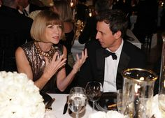 Anna Wintour passionate about something in conversation with Seth Meyers