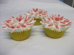 Cupcakes by Lisa James http://www.facebook.com/media/set/?set=a.175786909136135.34592.171226689592157&type;=1