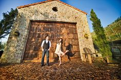Winery engagement session | Photo by http://ipromisestudio.com
