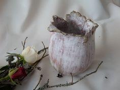 biały wazonik