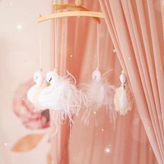 Our champagne and white swan mobile ❤️ Swan Nursery Decor, Baby Girl Nursery Themes, Baby Room Decor, Nursery Room, Nursery Ideas, Peach Baby Nursery, Girl Nurseries, Bedroom, Baby Mädchen Mobile