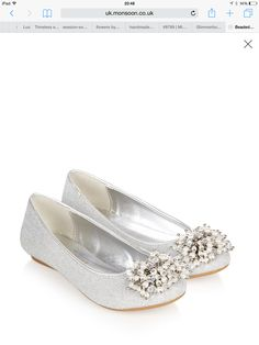 919c2ae65470b 15 meilleures images du tableau robes et chaussures magnifiques ...