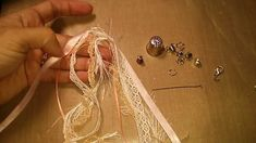Tutorial for a quick and easy lace & fibers tassel