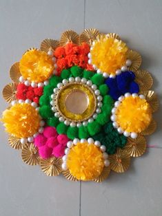 Diwali Diya, Diwali Craft, Diy Crafts Hacks, Diy Projects, Acrylic Rangoli, Diy Diwali Decorations, Rangoli Designs, Bottle Crafts, Handicraft