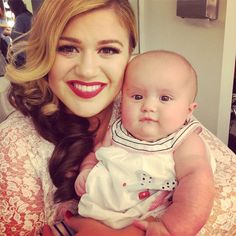 Kelly Clarkson Shares Adorable New Photo of Baby River Rose While Filming New Music Video | E! Online Mobile