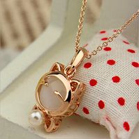 2015 Brand New Design White And Pink Cute Lucky Cat Stud Necklace Female Delicate Fashion Style Jewelry