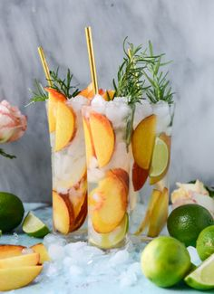 fresh peach gin and tonic I howsweeteats.com