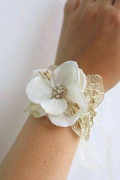Ivory Gold Bridal Flower Wrist Corsage Wedding Floral Bracelet by BelleBlooms Prom Flowers, Bridal Flowers, Bridal Lace, Silk Flowers, Hydrangea Flower, Hydrangea Corsage, Hair Flowers, Wedding Veils, Bridal Headpieces