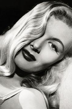 Veronica Lake - 1941 - Photo by A. L. 'Whitey' Schafer