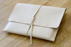 white handbag | W O N D E R L A N D