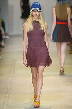 Prada Spring 2005 Ready-to-Wear Fashion Show - Sara Ziff
