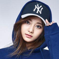 Twice - Tzuyu Kpop Girl Groups, Korean Girl Groups, Kpop Girls, Nayeon, K Pop, Tzuyu Wallpaper, Twice Tzuyu, Twice Photoshoot, Idol