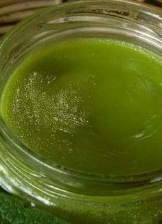 Comfrey Ointment Recipe by Slow Living Essentials (for bruising, aches and bone injuries). This looks exactly like the comfrey ointment my midwife gave me after I gave birth. Natural Health Remedies, Natural Cures, Natural Healing, Herbal Remedies, Natural Skin, Healing Herbs, Medicinal Herbs, Natural Medicine, Herbal Medicine