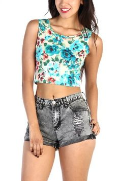 #fashion #fashionblogger #blogger #sexy #cute #chic #style #trending #stylebloggers #fashiontrends #model #losangeles #newyork #london #california #lovemelrose #france #shorts #highwaist #overall #jeans #leggings #printset #lacetop #croptop #printedtop #partydress #daydress #bodysuit #romper