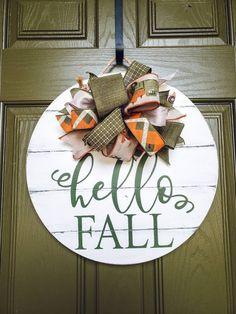 Fall Wooden Door Hangers, Brick House Designs, Pumpkin Door Hanger, Boutique Decor, Front Door Decor, Front Porch, Diy Craft Projects, Craft Ideas, Hello Autumn