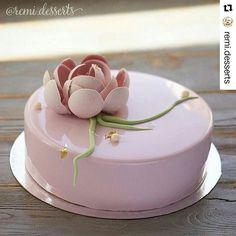 #Repost @remi.desserts with @repostapp ・・・ Доброе нежное утро пусть этот последний рабочий день пролетит легко и непринужденно