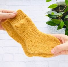 Сozy knitted socks and knee socks for you and от CozySocksStore Fluffy Socks, Warm Socks, Knitting Socks, Baby Knitting, Knit Socks, Best Baby Socks, Alpaca Socks, Baby Booties, Amigurumi