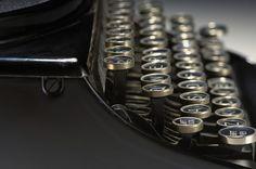 Los principios de la comunicación escrita: La máquina de escribir .teclas